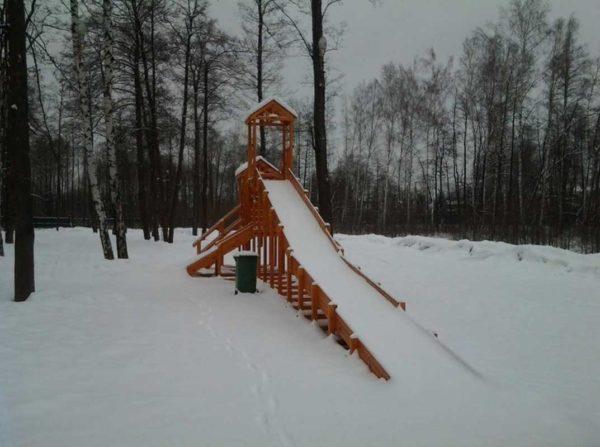 Зимняя горка Зима (покрытие лак и грунт)-800-1