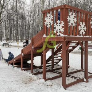 Детские площадки с установкой в городе БалашихаДеревянная зимняя горка Snow Fox, скат 4 м2-фото1