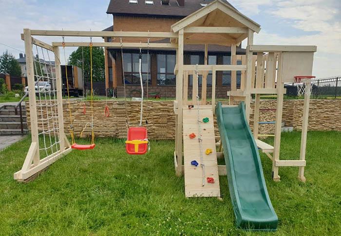 Детская площадка для дачи Лео макси
