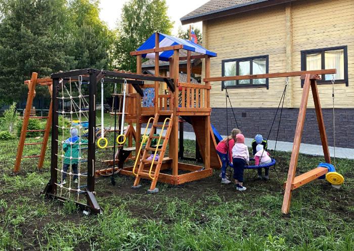 Детская площадка для дачи со спортивными элементами