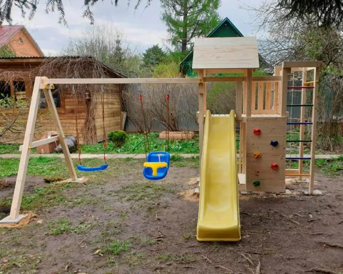 Неокрашенные детские площадки