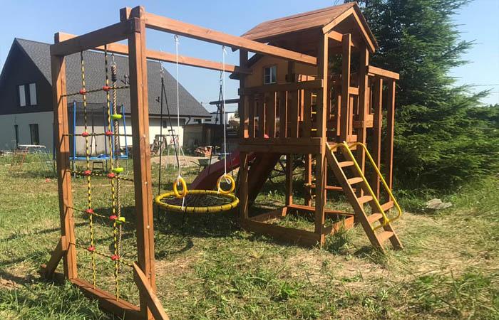 Детская площадка Лео Макси окрашенная с качелями-гнездо фото