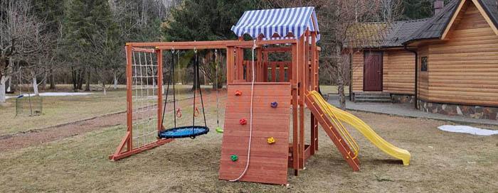 Популярные сейчас детские площадки для дачи