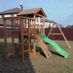 Детская игровая площадка для дачи Лео окрашенная