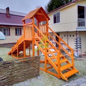 Зимние деревянные горки для дачи