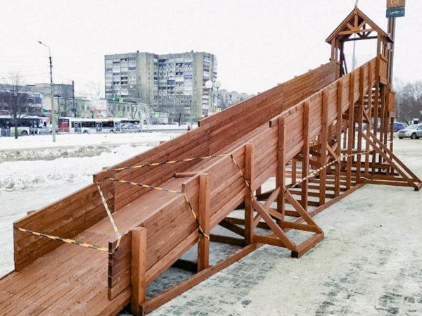 Зимняя деревянная заливная горка Теремок 12м-4