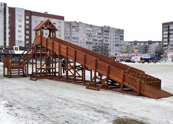 Зимняя деревянная заливная горка Теремок 12м-5