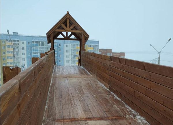Зимняя деревянная заливная горка Теремок 12м-7